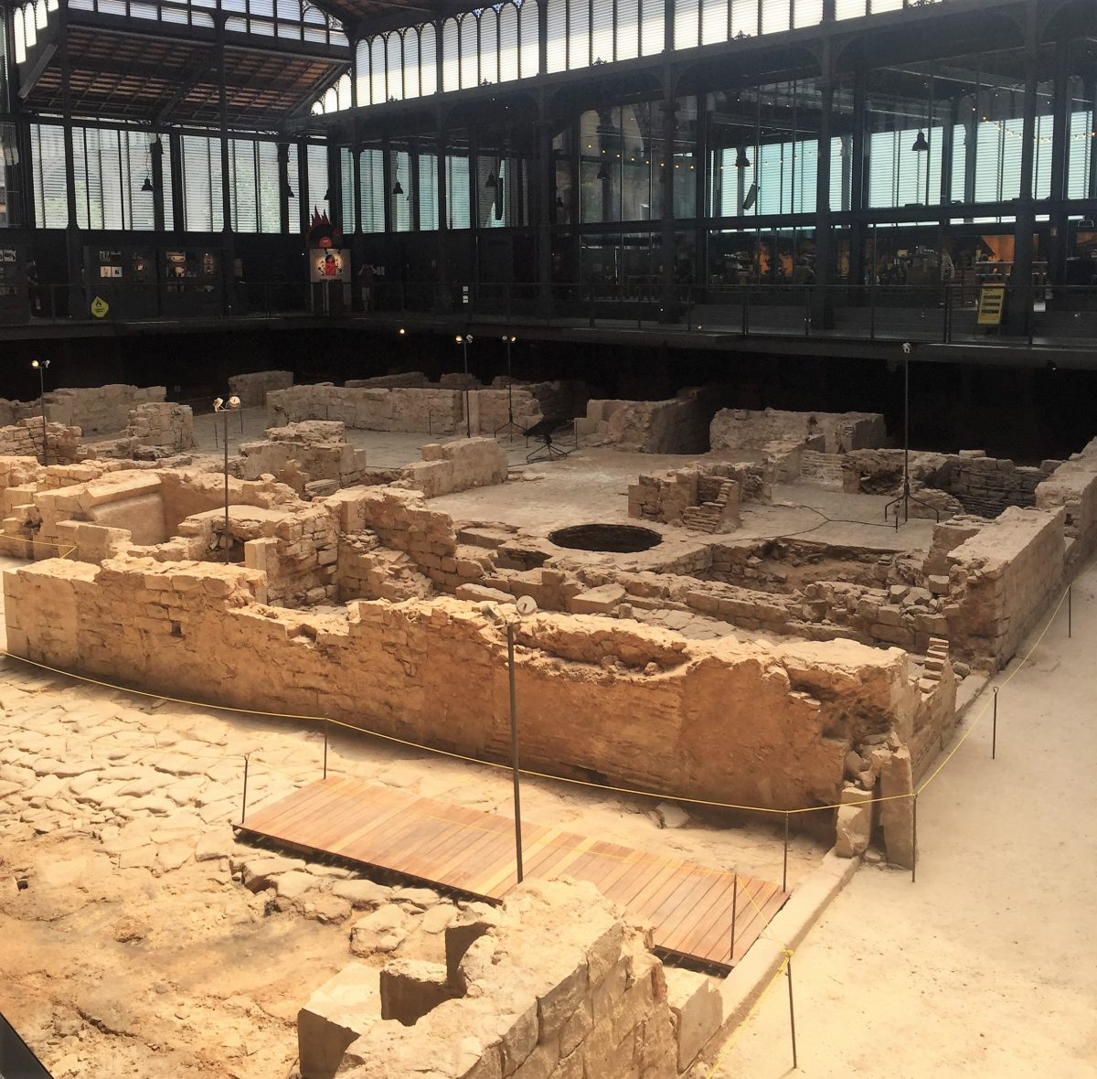 Strolling Through Barcelona — Found Incredible Indoor Excavation!!