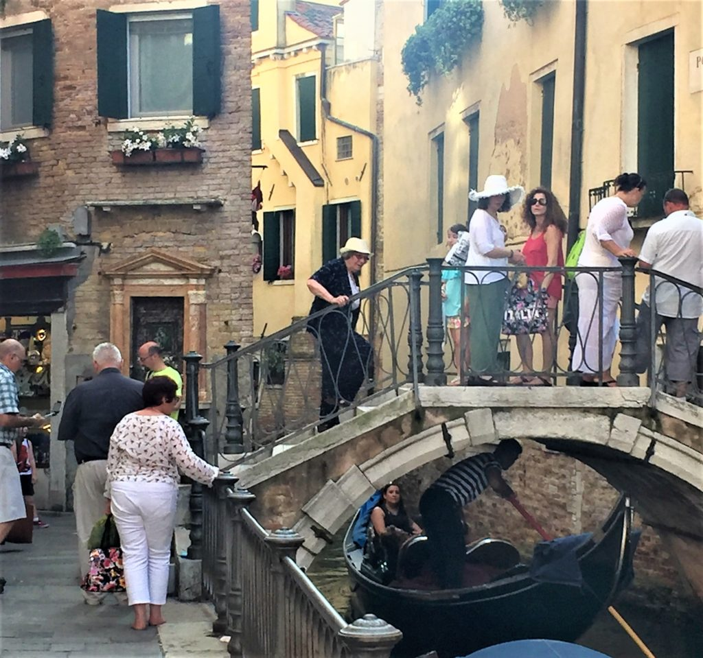avoid the cruise crowd in Venice